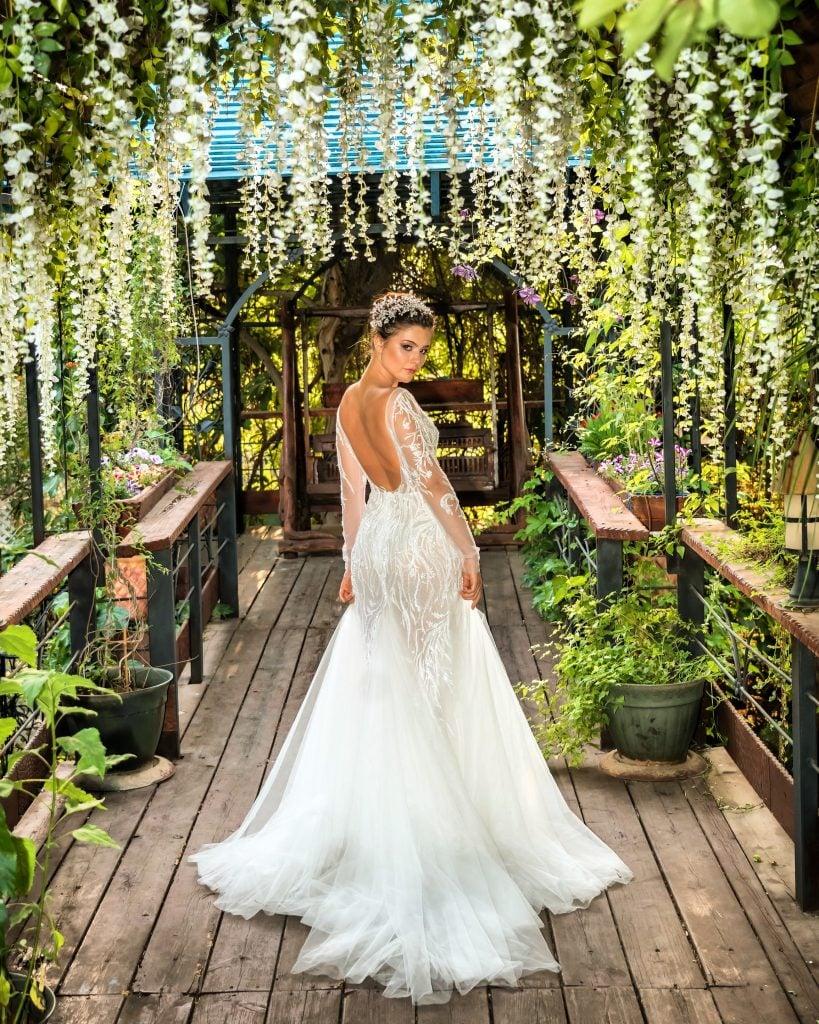 botanical garden bride
