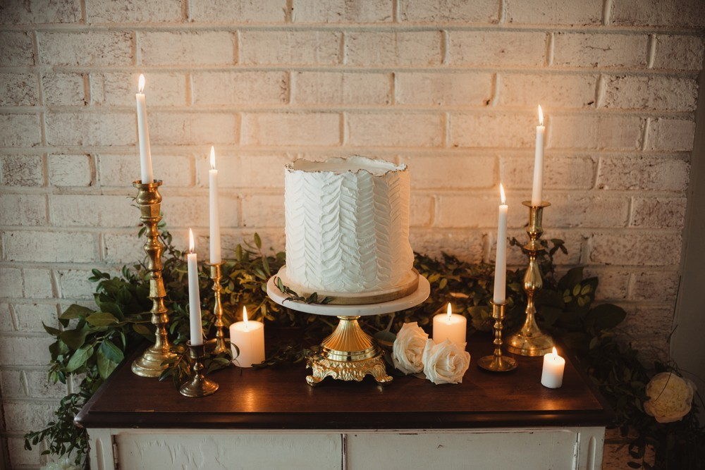 metallic accents dessert table