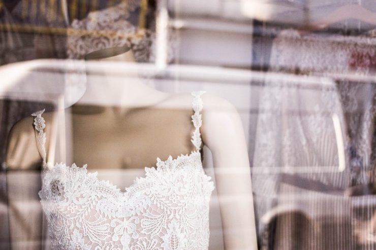 shop for trying on wedding dresses
