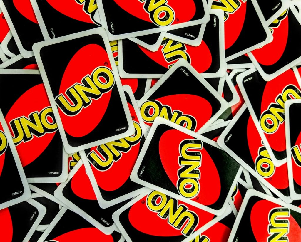 playing uno as some of wedding games