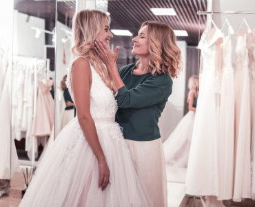 mother of bride responsibilities include dress shopping