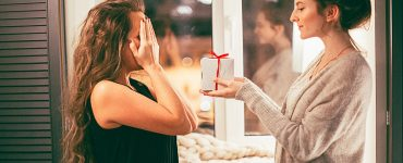 giving a gift to the maid of honor